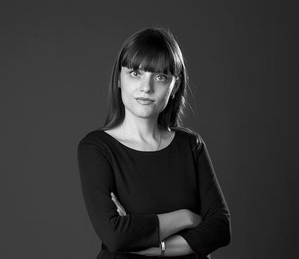 Portret-Claudia-Moscovici