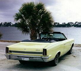 273px-1967_Ambassador_DPL_conv_top-down-winter-FL_palm