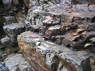 320px-DirkvdM_rocks