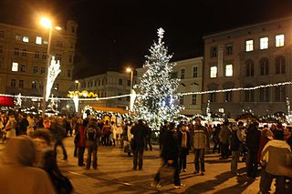 320px-Christmas_market_6655
