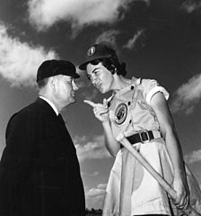 Fort_Wayne_Daisies_player,_Marie_Wegman,_of_the_All_American_Girls_Professional_Baseball_League_arguing_with_umpire_Norris_Ward_Opa-locka,_Florida