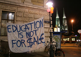320px-Student_protests_at_the_University_of_Vienna,_27.10.2009_(2)