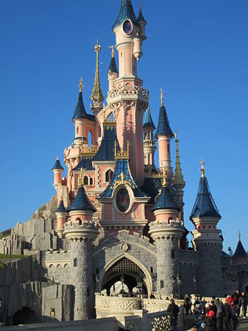 360px-Disney_castle_paris
