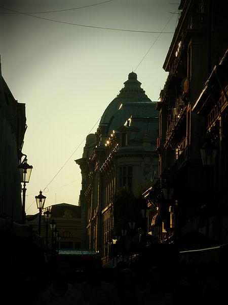 Seara_prin_București_-_Franceză_(9429010391)