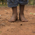 Barefoot_on_red_dirt (1)